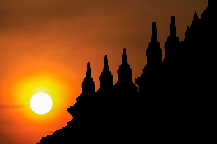 EyeEmNewHere Sunset Religion Travel Destinations Architecture Spirituality Silhouette Pagoda Travel Old Ruin History Building Exterior Scenics Gold Urban Skyline Ancient Civilization Ancient Outdoors Skyscraper Statue Beauty