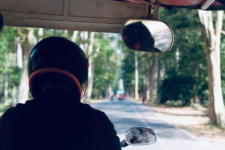 View to tuk-tuk driver
