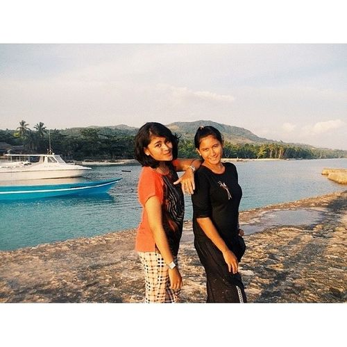 Bahagia itu ketemu kamu kakak :)) Bahagia Sederhana Sister Twins Blessed Moluks Sahusilawane deQueljoe Girlpost MalukuSatuDarah Malukuinsta