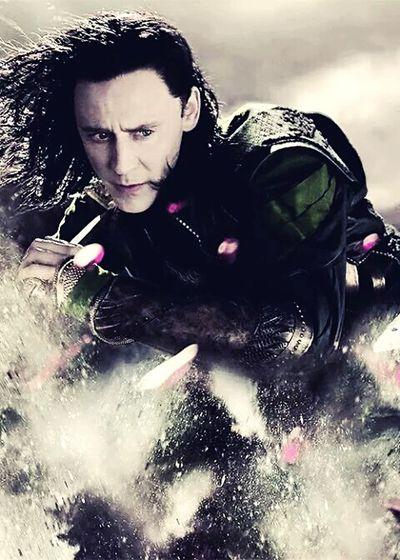 Loki Asgard King Hiddlestoners Tom Hiddleston Avengers Sassy Kneel