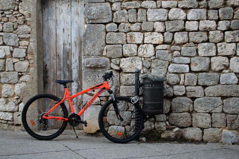 EyeEmNewHere Architecture Bicycle Brick Wall Building Exterior Built Structure Day Leaning Mode Of Transport No People Outdoors Stationary Transportation Art Krk  Kroatien Croatia Wall Contrast