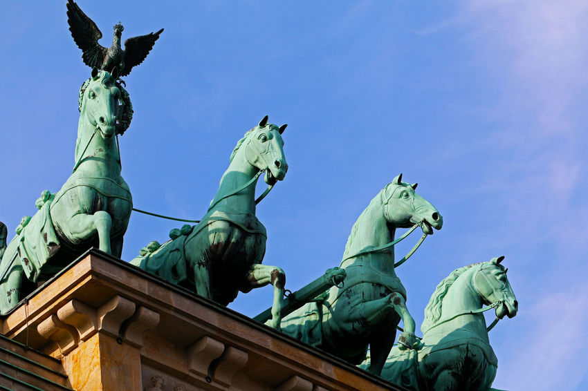 Brandenburger Tor Canonphotography Eye4photography  Brandenburger Tor Brandenburger Gate Berliner Ansichten Berlin Photography Architecture Architektur Quadriga Quadriga Des Brandenburger Tores Sculpture Statue Representation Horse No People Low Angle View History Outdoors Pferde Sky Visit Berlin