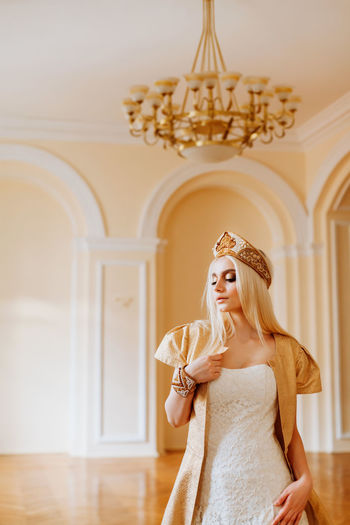 Young bride wearing crown