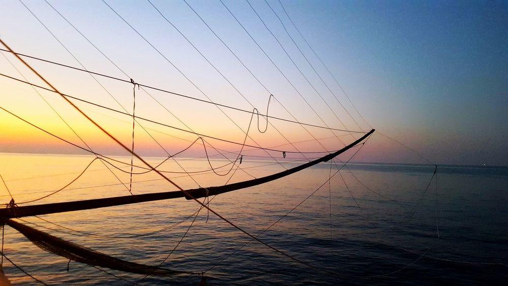 Lasciati prendere. Sunset Water Sea No People Nature Beauty In Nature Sky Outdoors Day Close-up Adriatico Yourself Obiettivi Beyond Coraggio BeBrave BeStrong Bebrave