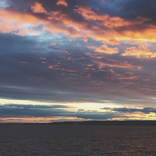Sunset Vibes Love