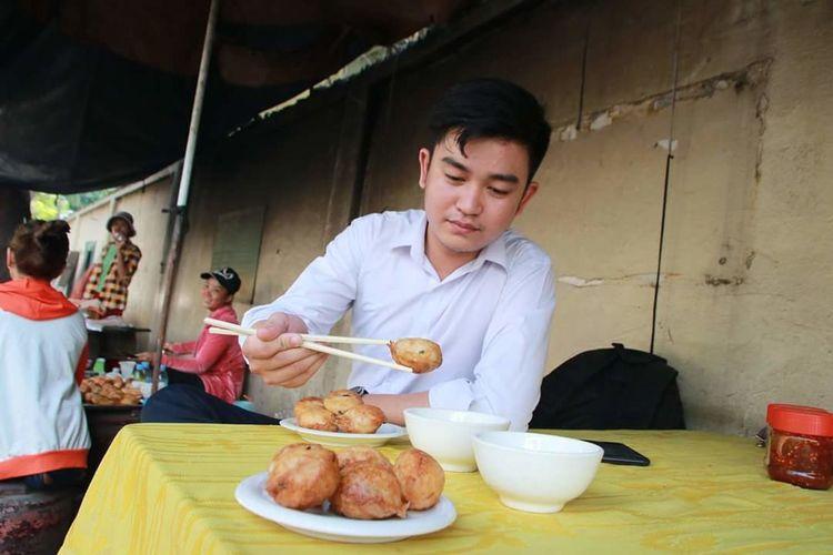 Khmer Coconut-Rich Pancakes