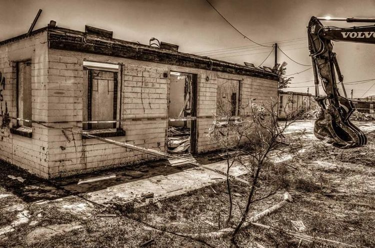 Building Demolition Apartments HDR Hdr_Collection Hdrphotography Sepia Sepia_collection Wrecker EyeEm Arizona Ladyphotographerofthemonth Streamzoofamily