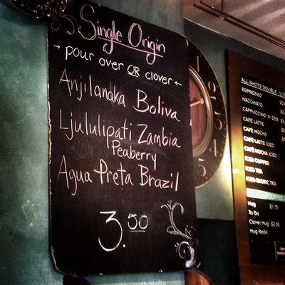 Самая атмосферная кофейня. Все условия для полноценной работы бариста. работают на Intelligentsia SaintsCafe Pennsylvania Pennstate coffeecoffeeshopIntelligentsiaSynessoDittingbrewbarAmerica