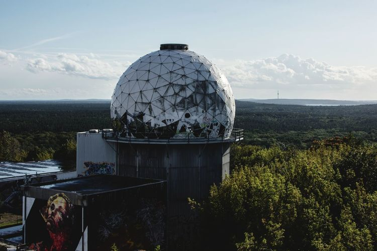 Discover Berlin Berlin Love Berlin, Germany  Teufelsberg Teufelsberg Berlin Berlin Photography The Week On EyeEm Malephotographerofthemonth Outdoors Building Exterior Travel Destinations Cityscape Architecture And Art Architecture_collection Forest
