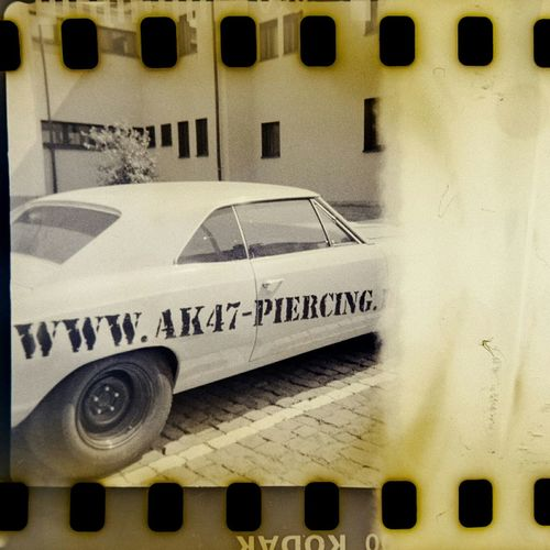 filmende Vintage Cars Old Camera Caffenol Kodak Film Instamatic Agfamatic 55c 35mm Filmisnotdead