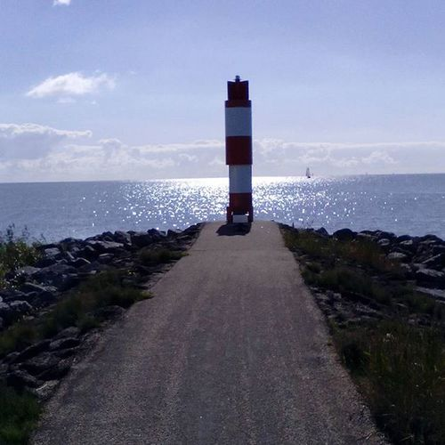 Ijsselmeer Stavoren Friesland Fryslan Beautiful Lakeview Lake Walk CityWalk Nederland Netherlands Thenetherlands Nature Naturefreak Naturelover Waterview Nature_perfection Nature_picture Sky Clouds Skylovers Holland_photolovers Super_holland Allwhatsbeautiful Ig_nlpics igholland nofilter