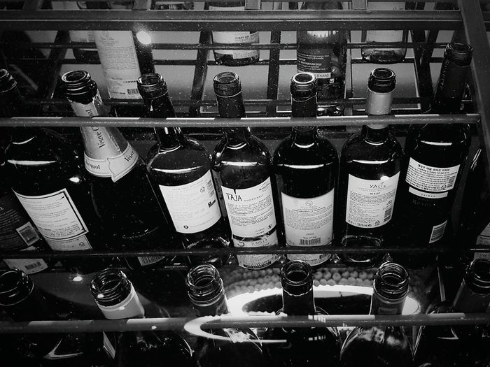 Wine Bottles Taking Photos Hello World Check This Out Hanging Out Relaxing Enjoying Life Getting Inspired Interior Design Galaxy S7 Edge That's Not My Problem Mamma Mia In Vino Veritas Operation Dinner-out