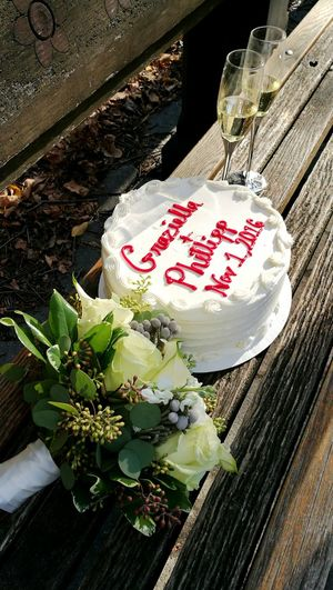 No People Food Close-up Flowers, Nature And Beauty Wedding Photography Weddingcake Flutes Old-fashioned Bouquet Of Flowers Elegance Everywhere Romantic❤ Graziella Philipp Love Is In The Air Love ♥ Park Life Park Bench Flowers,Plants & Garden