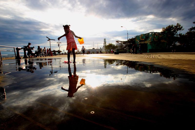 Coney Island Brooklyn Newyork NYC Streetphotography Photography Child Reflection Puddlegram Beach USA Boardwalk NYC