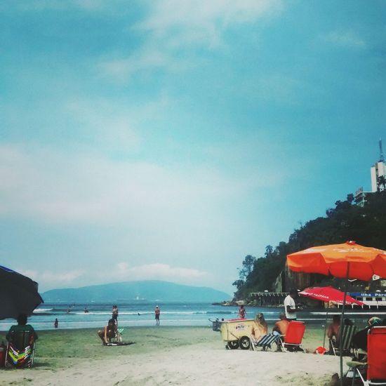 Glitch Beach 🌊🌞