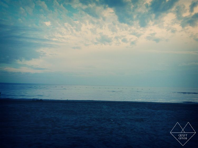 Sky And Sea Eye4photography  Last Days Of Summer AQVA Weekend Relaxing Shades Of Blue Sand Hello World 🔝🔙🙋💋