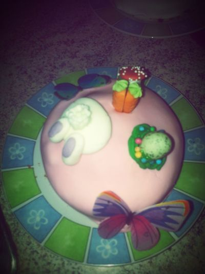 My Little Sweet <3 Cakes Happy Easter People Watching Chilllax Cupcakes