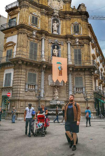 City Politics And Government Men King - Royal Person Architecture Building Exterior Built Structure Statue Human Representation Golden Color