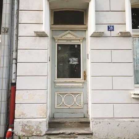 Doors Cologne Altbau Altbauliebe Altbauwohnung Denkmalschutz 39 Mülheim Schälsick Door Architecture Outdoors Day City Urban Urbanism
