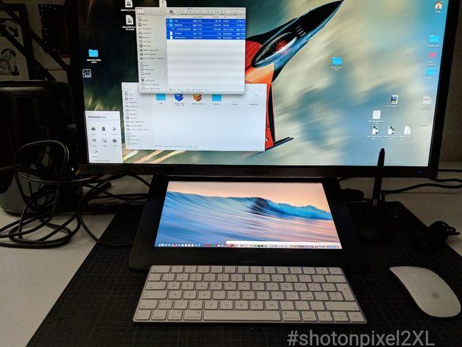 wacom cintiq pro Mac Pro Shotonpixel2xl Computer Technology Computer Monitor Indoors  No People Day Computer Keyboard