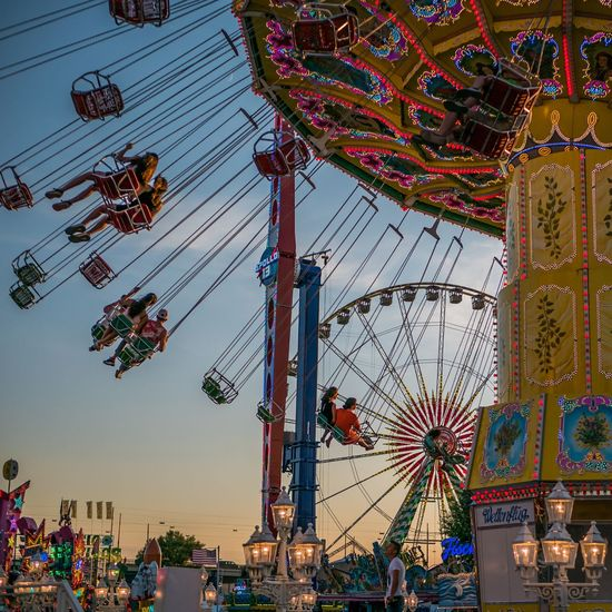 Karussell Carousel Ferris Wheel Amusement Park Ride Arts Culture And Entertainment Amusement Park Multi Colored Traveling Carnival Sky Big Wheel Light Round #urbanana: The Urban Playground