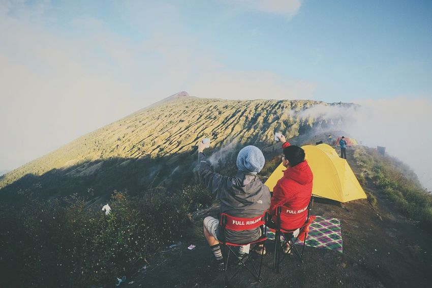 Mt.Rinjani Hiker Mountain This View Hiking Popular Photo Travel Photography Taking Photos Magnificent View EyeEm Best Shots Crater Rim INDONESIA Lombok Volcano Clouds And Sky Hiking Trail Friendship Cheers Scenery Shots Nature People Together