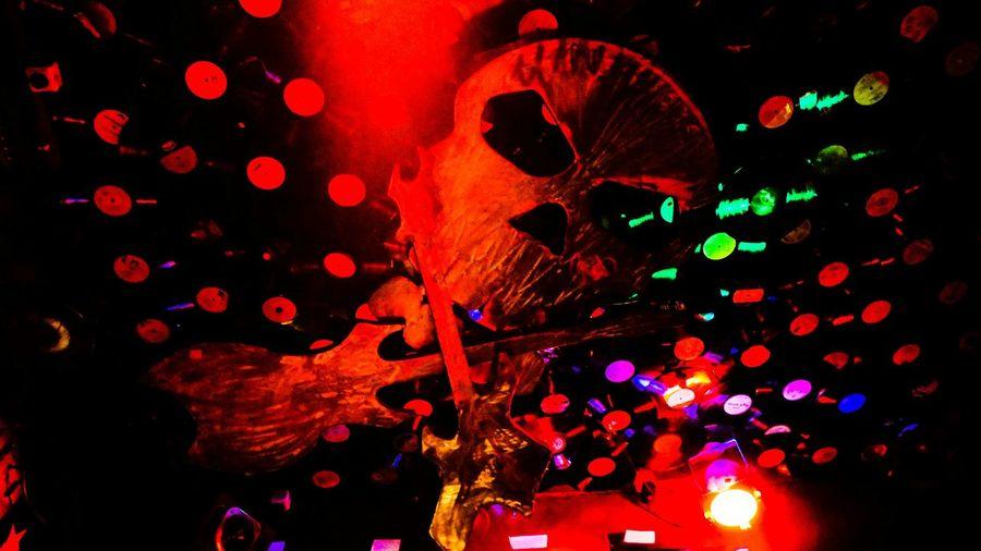 Kiez Bar Lunacy St. Pauli Nightlife Hamburg Hamburger Berg Skull Schallplatten Records Guitars Skulls Schallplatte Record Concert