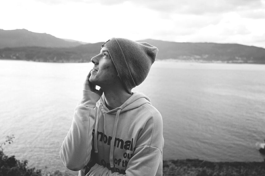 Water Yellow One Person One Man Only Adults Only Nature Day Men Young Adult Sea Nature Face Menstyle Menswear Menslook Mensfashion Elitemodels Gorro Me Black & White Black And White Photography Blackandwhite