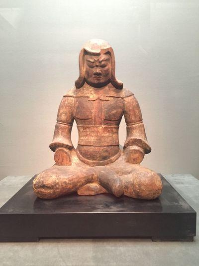 武装神坐像。神像であるが武装形で表され 神像 上野 東博