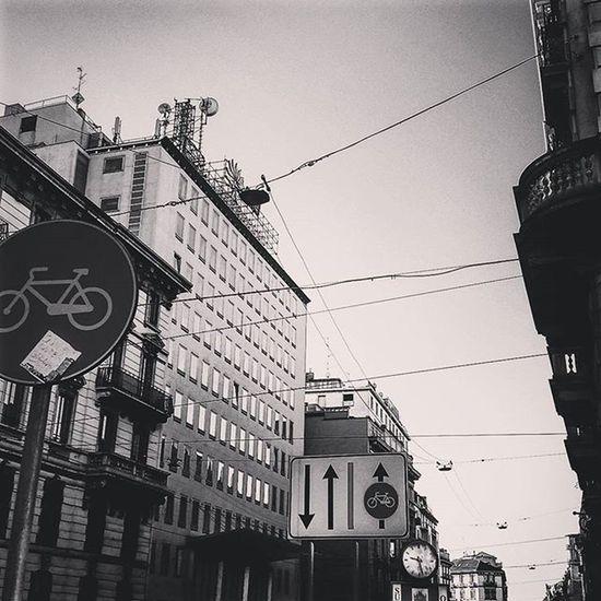 Milan Milano Cadorna Blackandwhite Bnw Biancoenero Architecture Cityscapes