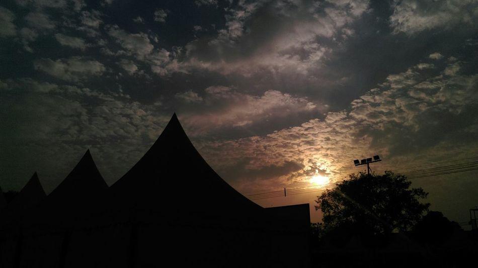 SHADE GAME Sunfall Taking Photos Mera Delhidiaries Redfort Mera India No Edits No Filters HTC 816