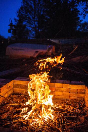 Campfire Camping Nighttime Fire Marshmellow Night Roast Camp