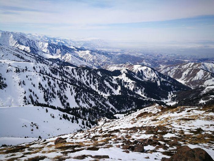 По пути на пик Букреева Hiking Hiking Trail Hikingadventures Weekend Activities EyeEm Selects Snow Cold Temperature Winter Nature Mountain Snowcapped Mountain Scenics Beauty In Nature No People Mountain Range Day Sky