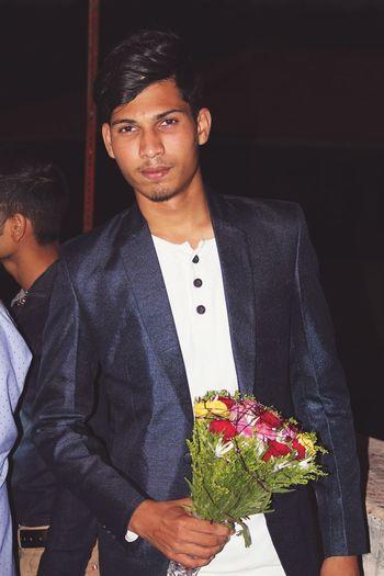 EyeEm Selects Loveflowers Flowers Flower In Hand Blazer - Jacket Indian Guy
