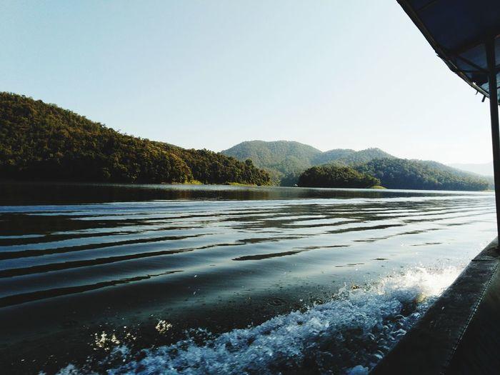 ให้ธรรมชาติ โอบกอดเราไว้. Water Lake Mountain Sunset Sky Landscape
