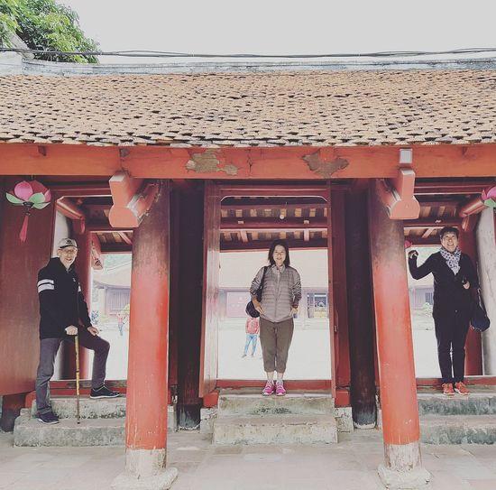 Alan Sharon And Ellen Lsc_hanoi Winter 2018_alansharonandellen_temple Of Literature Temple Of Literature Temple Of Confucius Architecture Sgarchitecture Hanoi Holiday With Sharon Hanoi Feb 2018