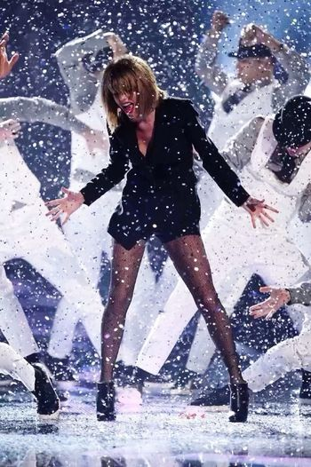 The coolest girl I've ever seen😘 Taylor Swift