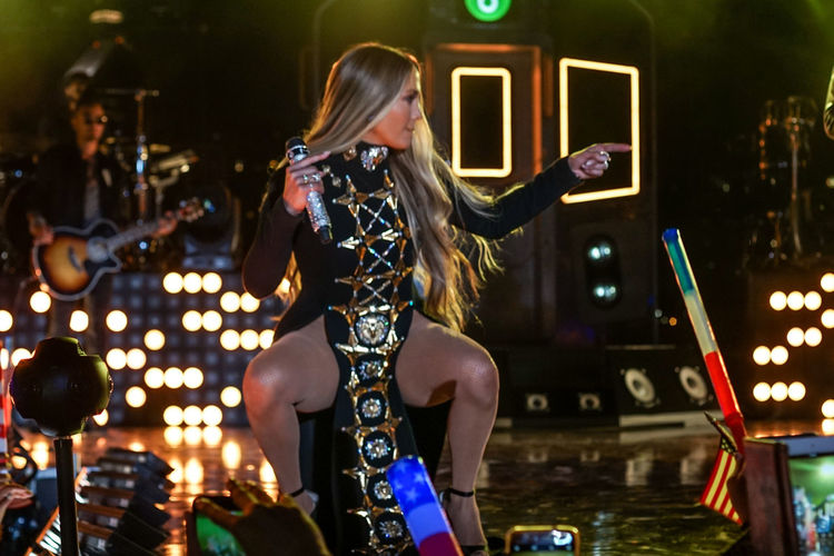 Jennifer Lopez pre-taping a performance for the 2017 Macy's Fourth of July Fireworks held in Long Island City, NY. Artist Band Concert Concert Photography Dancing Instruments Jennifer Lopez Jlo Live Concert Music Musician Night Outdoors Performance Performance Group Pointing Singer  Singing Squatting Stage