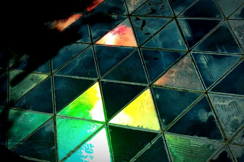 Tri Triangles Triangles ▲ Triangle Repetitions Pattern Patterns Glowing Lights Glass Blocks Opaque Opaque Glass Tile Tiling Tessellation Glass Triangle Construction Triangle Love Three Threes Equilateral Ceramic Tiles Shiny Lg G5 Ryan GREEN Ryrygreen Artistic No People Break The Mold