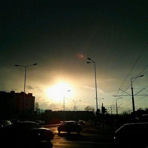 Światło dziś spektakularne jest :) GamońDziwiSięŚwiatu SłońceTakieWOczy NieboTakieKripi Uszanowanko
