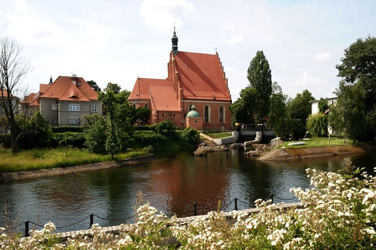 Brda River Bydgoszcz Bydgoszcz, Poland  Church Fara Medieval Church Poland Poland Is Beautiful Architecture Brda Building Exterior Built Structure Church Architecture Day House Nature No People Outdoors Sky Summer Tree Water