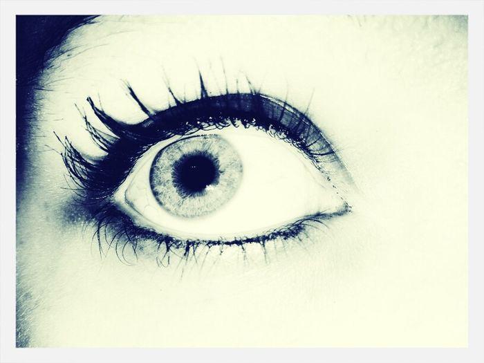uhm... this is my eyeball. c:
