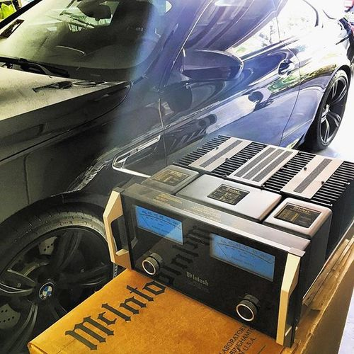 "Ahh.. There may be ""better"" out there, but McIntosh is still badass. McIntosh Hifi Mc452 Audiophile Amp Bmw M6 Cars Motivation"