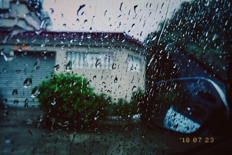 雨·很美 Rain Iphonegraphy Wet Window Rain Drop Vehicle Interior RainDrop Monsoon