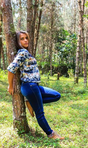 One Person Forest Adults Only People Tree Day Nature Only Women Smiling Adult Happiness Young Women Beautiful Nature Beatifulday Beatyful Nature Beautiful People One Young Woman Only Casual Clothing One Woman Only Women Beatiful Beauty Beatiful Day<3