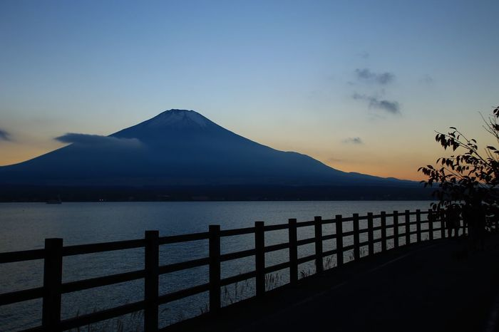 Mountain Scenics Tranquil Scene Nature Tranquility Beauty In Nature No People Sea Sky Outdoors Water Sunset Day