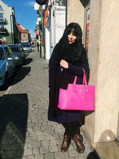 Fashionblogger Olitangerine Bangs Brunette Poland Street Fashion Outfit Sun