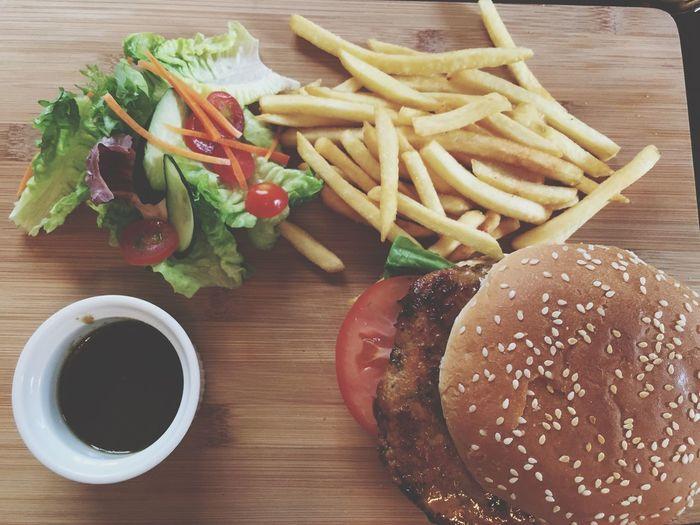 AhMO Chicken Burger Lunch Food Foodporn Foodie Foodspotting The Foodie - 2015 EyeEm Awards Burgerporn Cheap Price