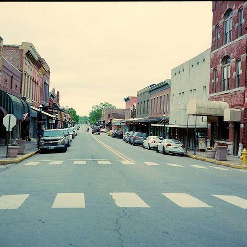 Small town streets. Vanburen Arkansas Street Mamiya 120 Kodak Portra C330 Mediumformat