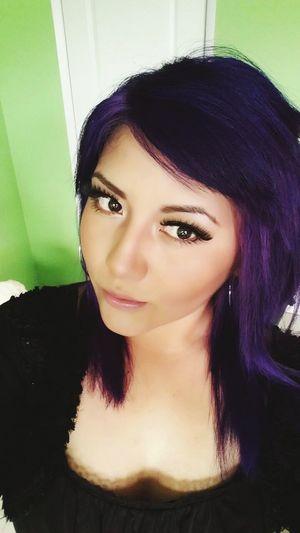 La belleza no es de afuera hacia adentro, si no de adentro hacia afuera. Purplehair Purple Purple ♥ The Color Purple Purplehairdontcare